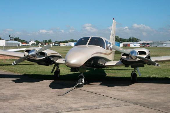 Piloto multimotor